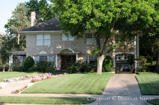 Residence in Swiss Avenue - 5032 Swiss Avenue