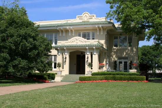 Residence in Swiss Avenue - 5125 Swiss Avenue