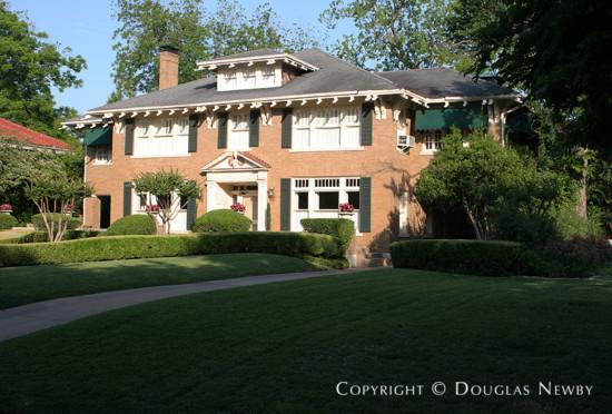 Home in Swiss Avenue - 5302 Swiss Avenue