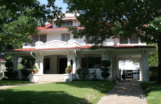 House in Swiss Avenue - 5417 Swiss Avenue