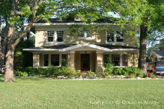 Home in Swiss Avenue - 5518 Swiss Avenue
