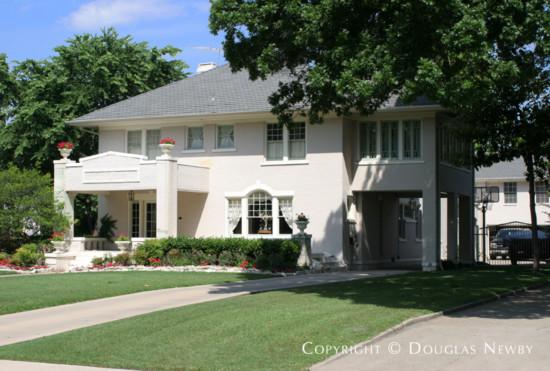 Home in Swiss Avenue - 5617 Swiss Avenue