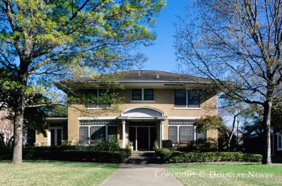 Home in Swiss Avenue - 5620 Swiss Avenue