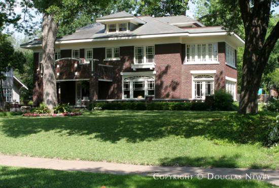 House in Swiss Avenue - 5643 Swiss Avenue