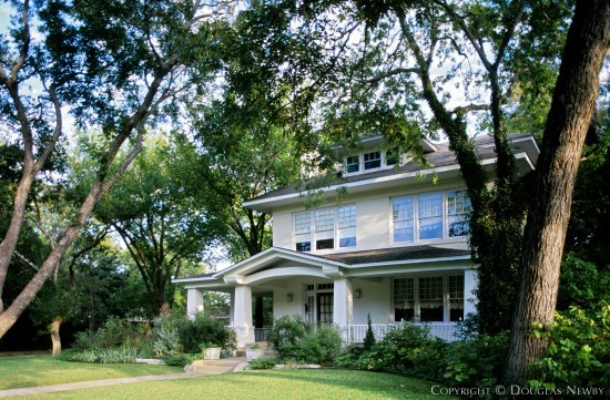 Residence in Swiss Avenue - 5650 Swiss Avenue