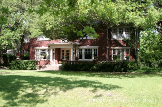 Home in Swiss Avenue - 5707 Swiss Avenue