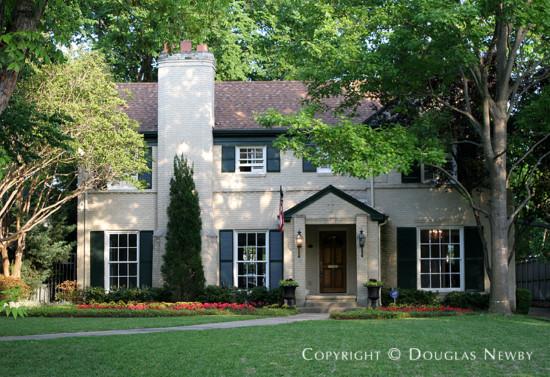 Home in Swiss Avenue - 5728 Swiss Avenue
