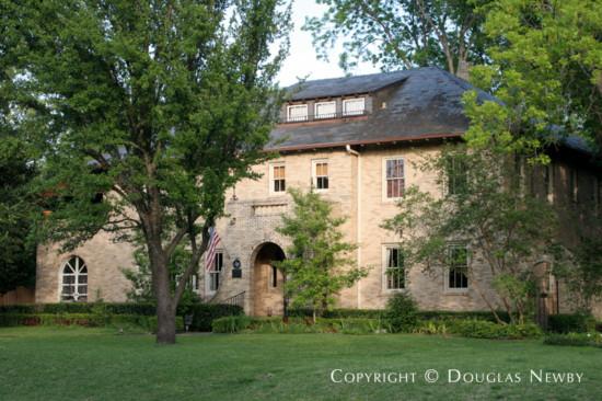 Residence in Swiss Avenue - 5750 Swiss Avenue