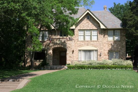Home in Swiss Avenue - 5815 Swiss Avenue