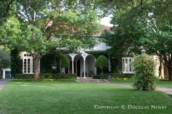 Residence in Swiss Avenue - 5928 Swiss Avenue