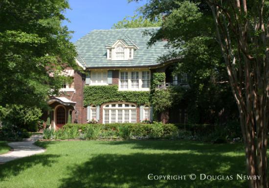 House in Swiss Avenue - 6005 Swiss Avenue