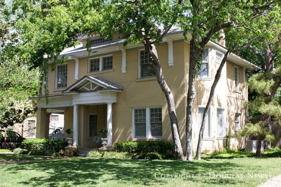 Home in Munger Place - 4908 Junius Street