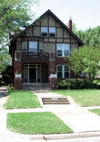 Residence in Munger Place - 4917 Junius Street
