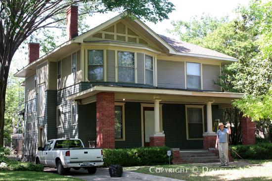 Home in Munger Place - 4927 Junius Street