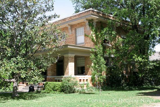 Home in Munger Place - 4936 Junius Street