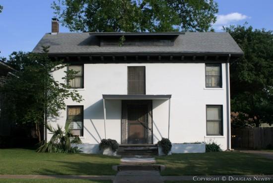 Home in Munger Place - 5010 Junius Street