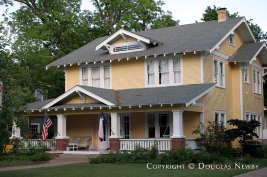 Residence in Munger Place - 5018 Junius Street