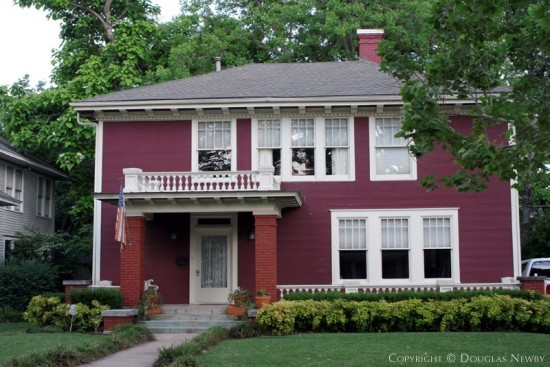 House in Munger Place - 5106 Junius Street