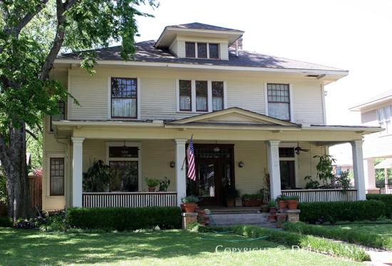 Home in Munger Place - 5107 Junius Street