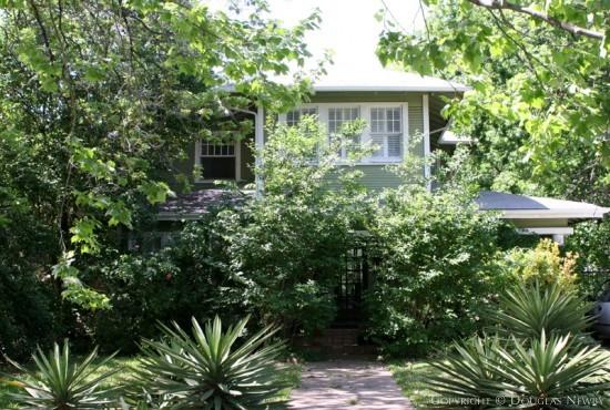 Home in Munger Place - 5211 Junius Street