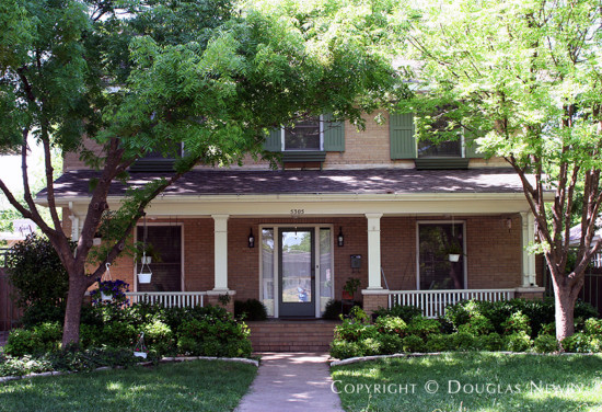 House in Munger Place - 5305 Junius Street