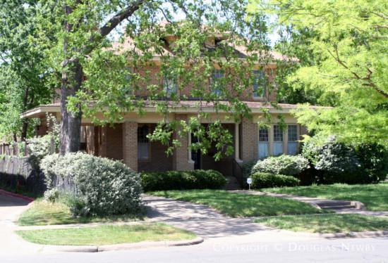 Real Estate in Munger Place - 5327 Junius Street
