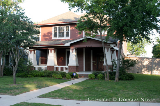 Home in Munger Place - 4902 Reiger Avenue