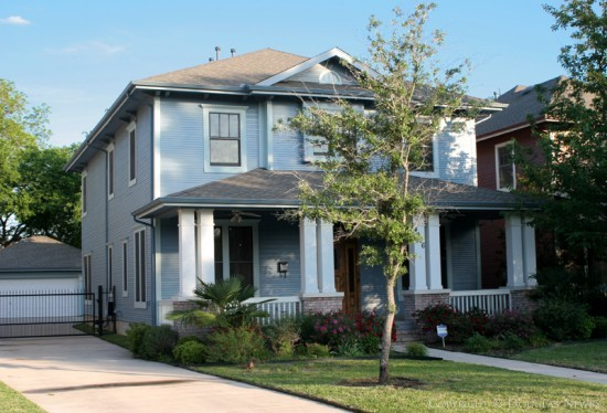 Home in Munger Place - 4906 Reiger Avenue