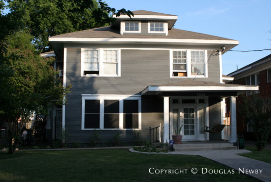 Real Estate in Munger Place - 4926 Reiger Avenue