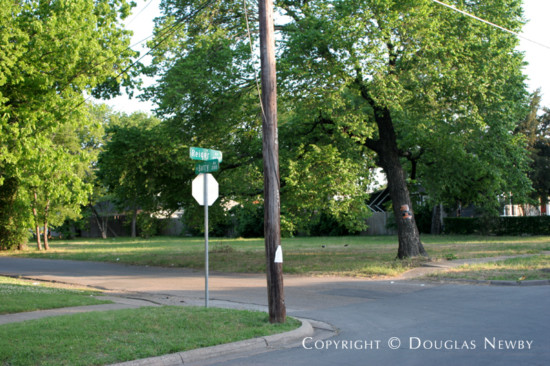Lot in Munger Place - 4932 Reiger Avenue