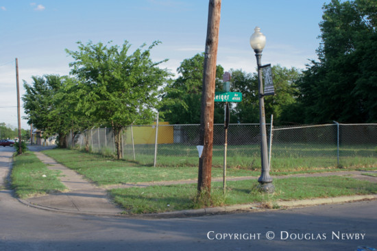Lot in Munger Place - 4946 Reiger Avenue