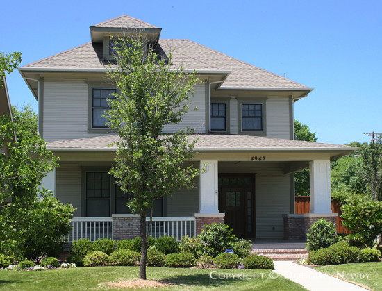 Home in Munger Place - 4947 Reiger Avenue