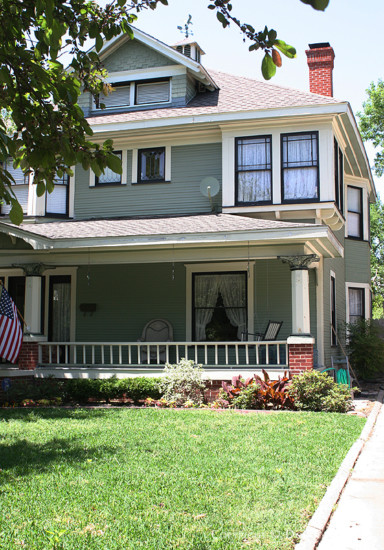 House in Munger Place - 5015 Reiger Avenue