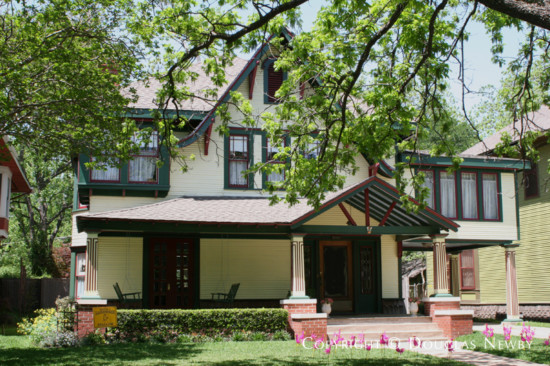Real Estate in Munger Place - 5023 Reiger Avenue