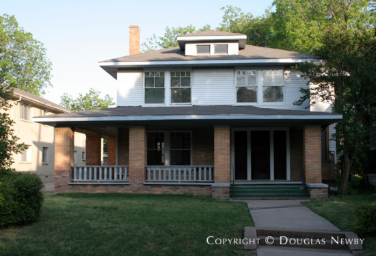 Residence in Munger Place - 5102 Reiger Avenue