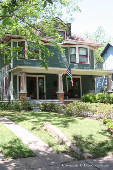 House in Munger Place - 5115 Reiger Avenue