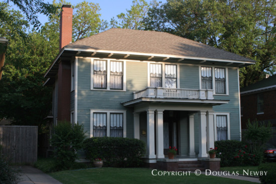 Home in Munger Place - 4818 Tremont Street