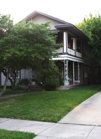 Residence in Munger Place - 4827 Tremont Street