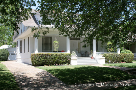 Home in Munger Place - 4907 Tremont Street