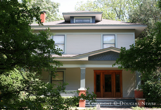 American Foursquare Residence in Munger Place - 4912 Tremont Street