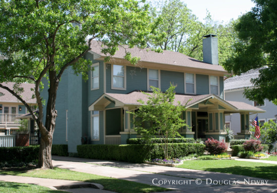 Home in Munger Place - 4918 Tremont Street