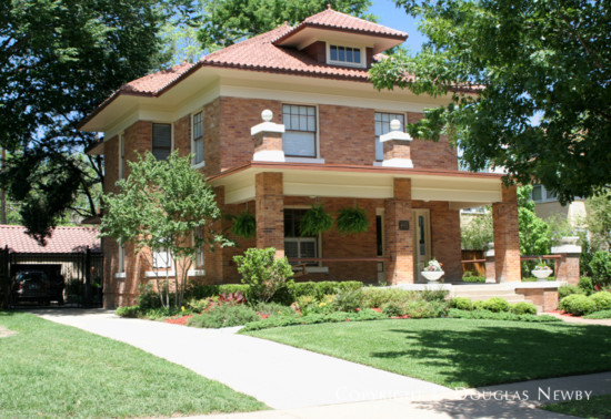 House in Munger Place - 4931 Tremont Street