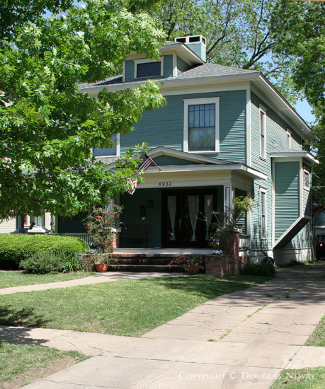 House in Munger Place - 4932 Tremont Street