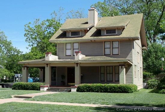 Residence in Munger Place - 4934 Tremont Street