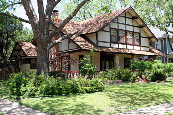 Residence in Munger Place - 5003 Tremont Street