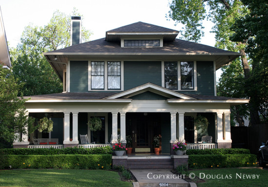 Home in Munger Place - 5004 Tremont Street