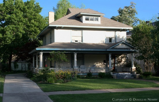 Residence in Munger Place - 5018 Tremont Street