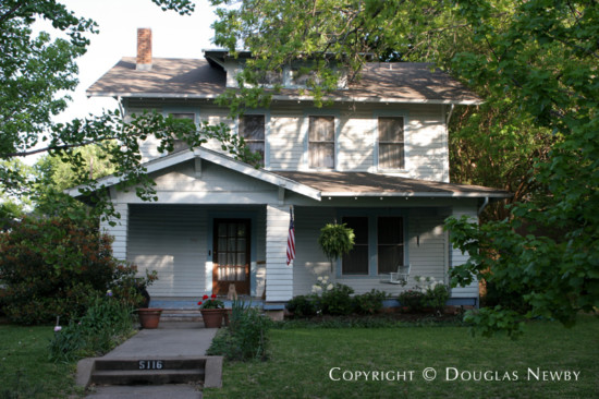 Home in Munger Place - 5116 Tremont Street