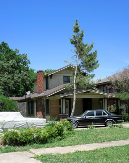 Home in Munger Place - 5207 Tremont Street