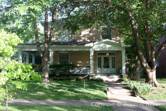 Home in Munger Place - 4932 Victor Street